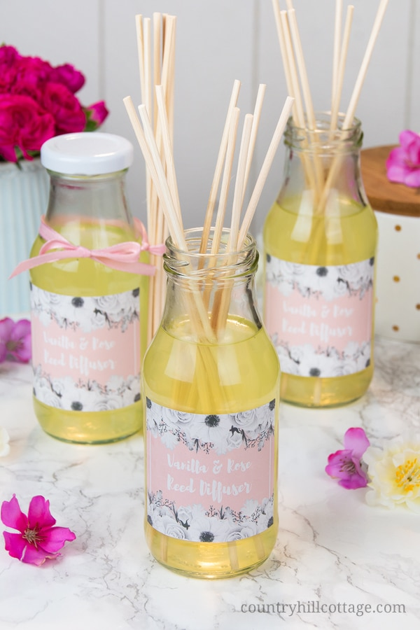 DIY vanilla and rose oild reed diffuser (via www.countryhillcottage.com)