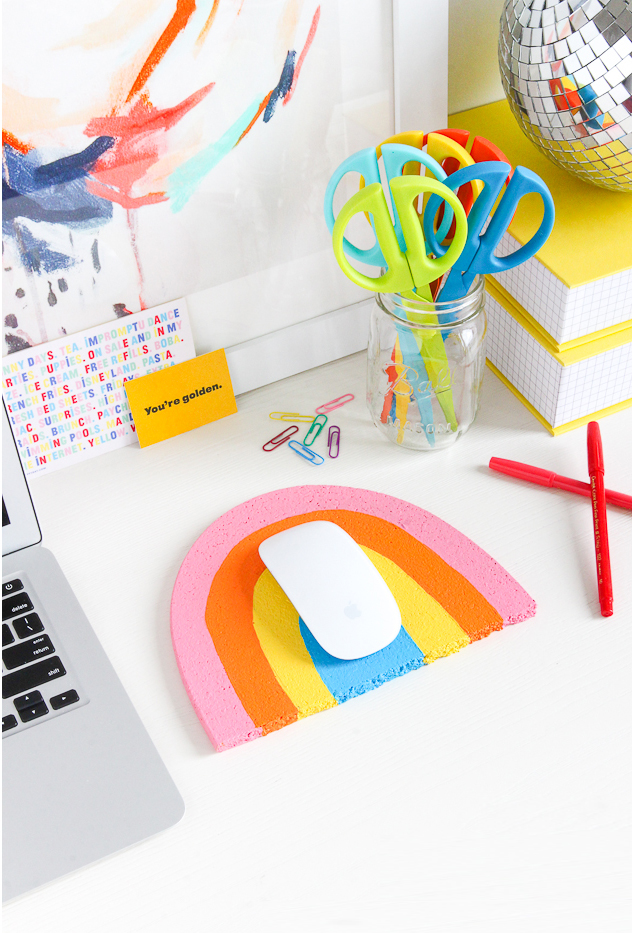 DIY rainbow mouse pad in 2 steps (via thecraftedlife.com)