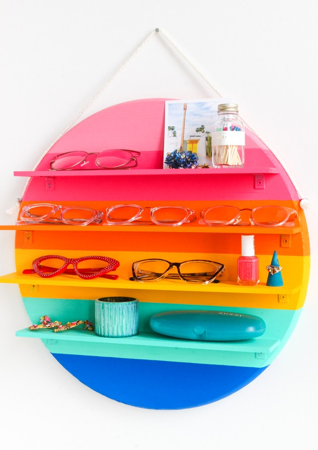 DIY rainbow circle shelf (via thecraftedlife.com)