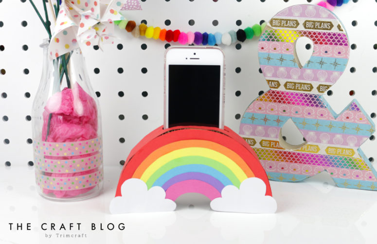 DIY rainbow phone holder (via www.thecraftblog.com)