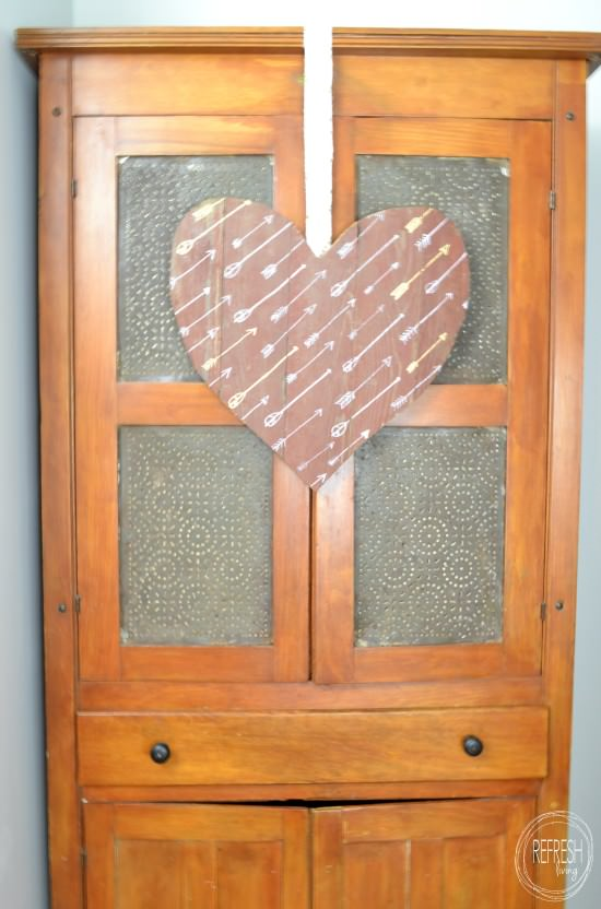 DIY salvaged wood heart-shaped sign with arrows (via refreshliving.us)