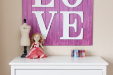 DIY purple LOVE sign of beaboard and letters