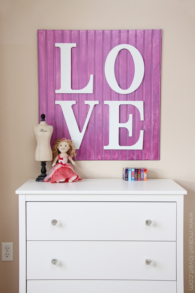 DIY purple LOVE sign of beaboard and letters (via makeit-loveit.com)