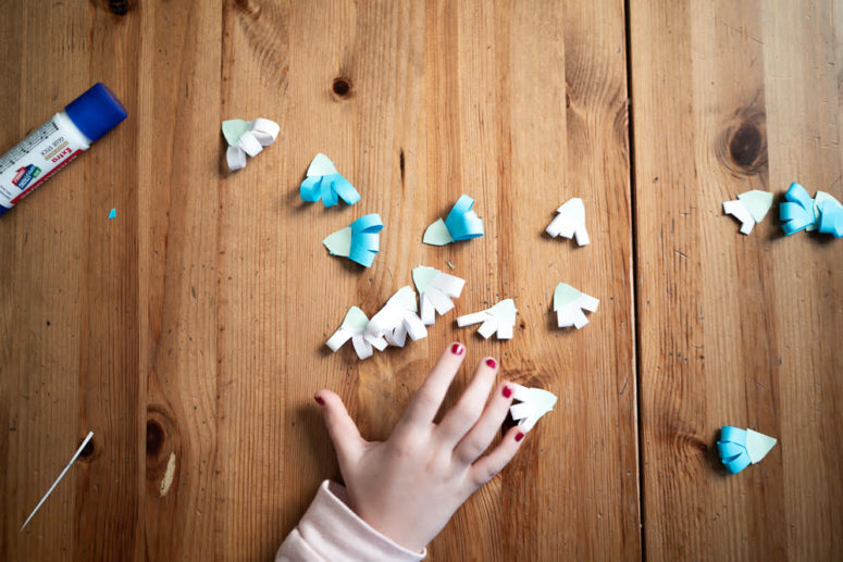 diy paper vases with snowdrops to make with kids