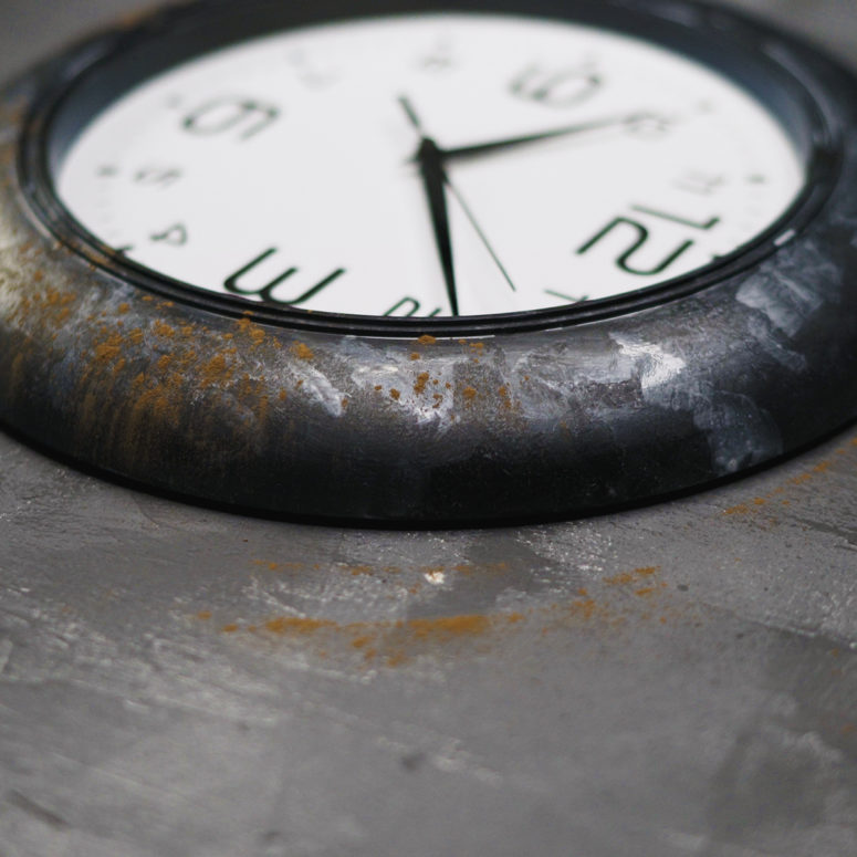 DIY faux industrial IKEA clock hack