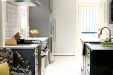 12 hex marble tiles in the cooking space and rich-colored laminate with a sharp transition