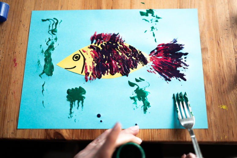 5 DIY Fork Painted Animals To Make With Kids