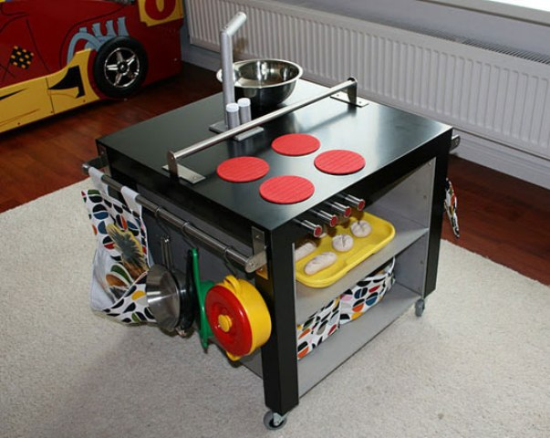 a mobile play kitchen of a Lack table and some toy stuff will delight your children