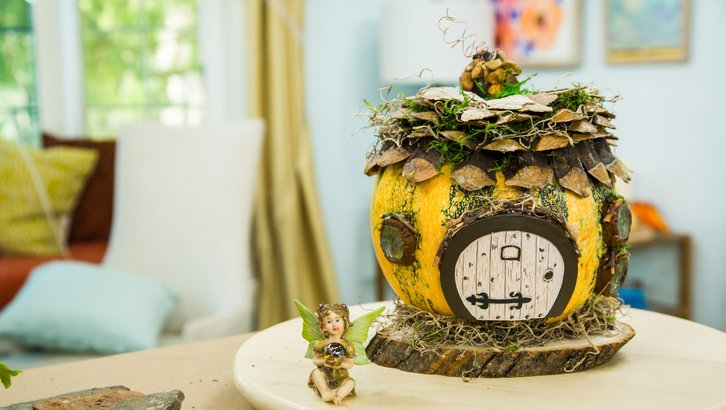 DIY fairy house using natural materials (via www.hallmarkchannel.com)
