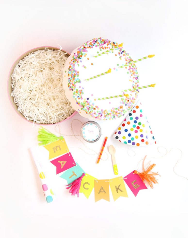 DIY colorful cake birthday party gift box (via damasklove.com)