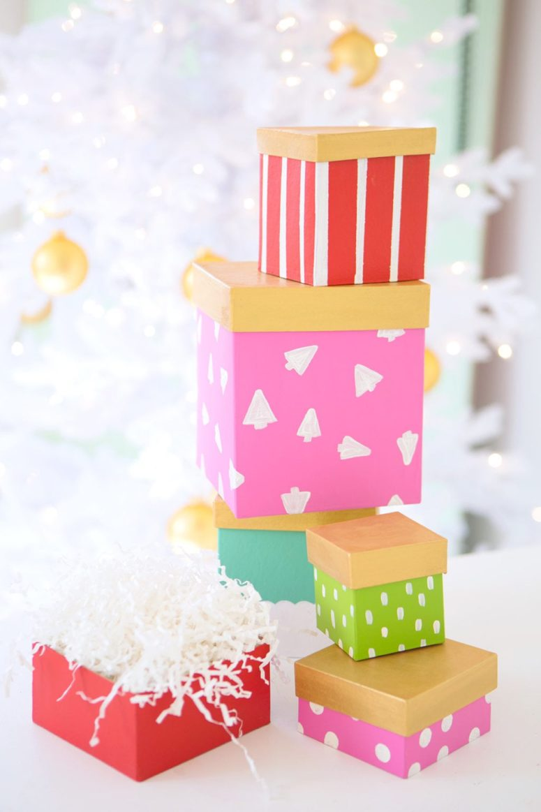 DIY painted paper mache gift boxes  (via damasklove.com)