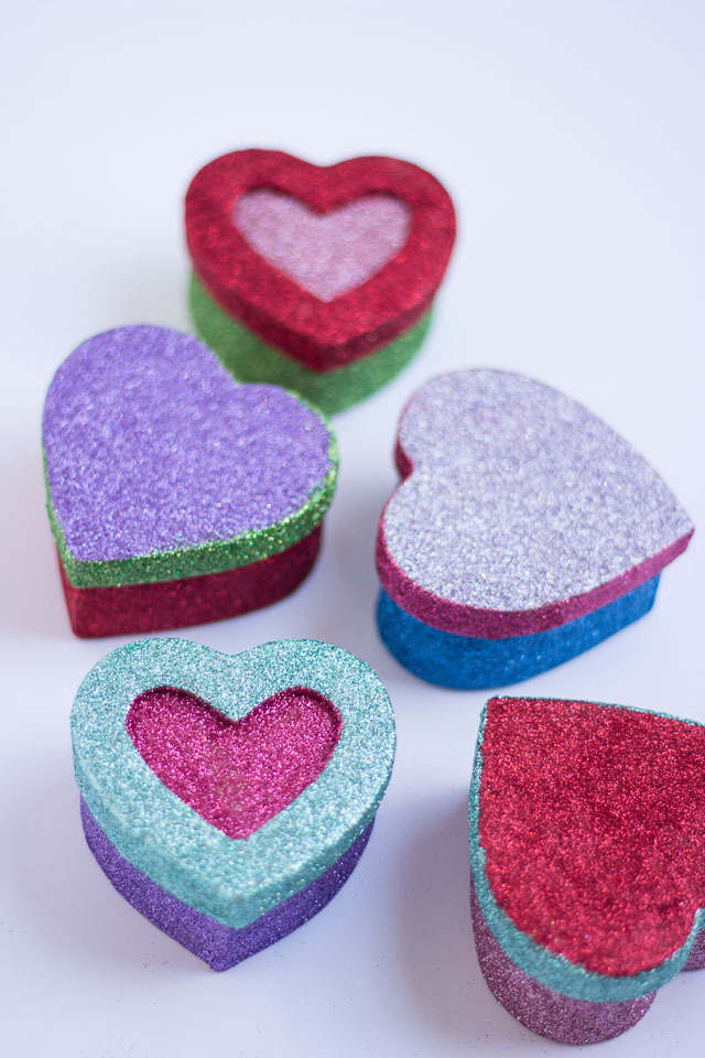 DIY glitter heart paper mache gift boxes (via www.designimprovised.com)