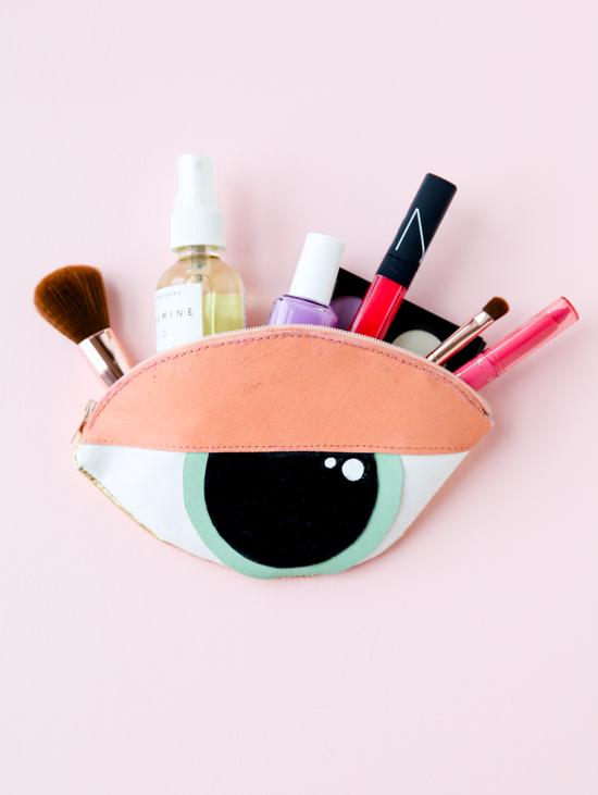 DIY unique eye shaped makeup pouch