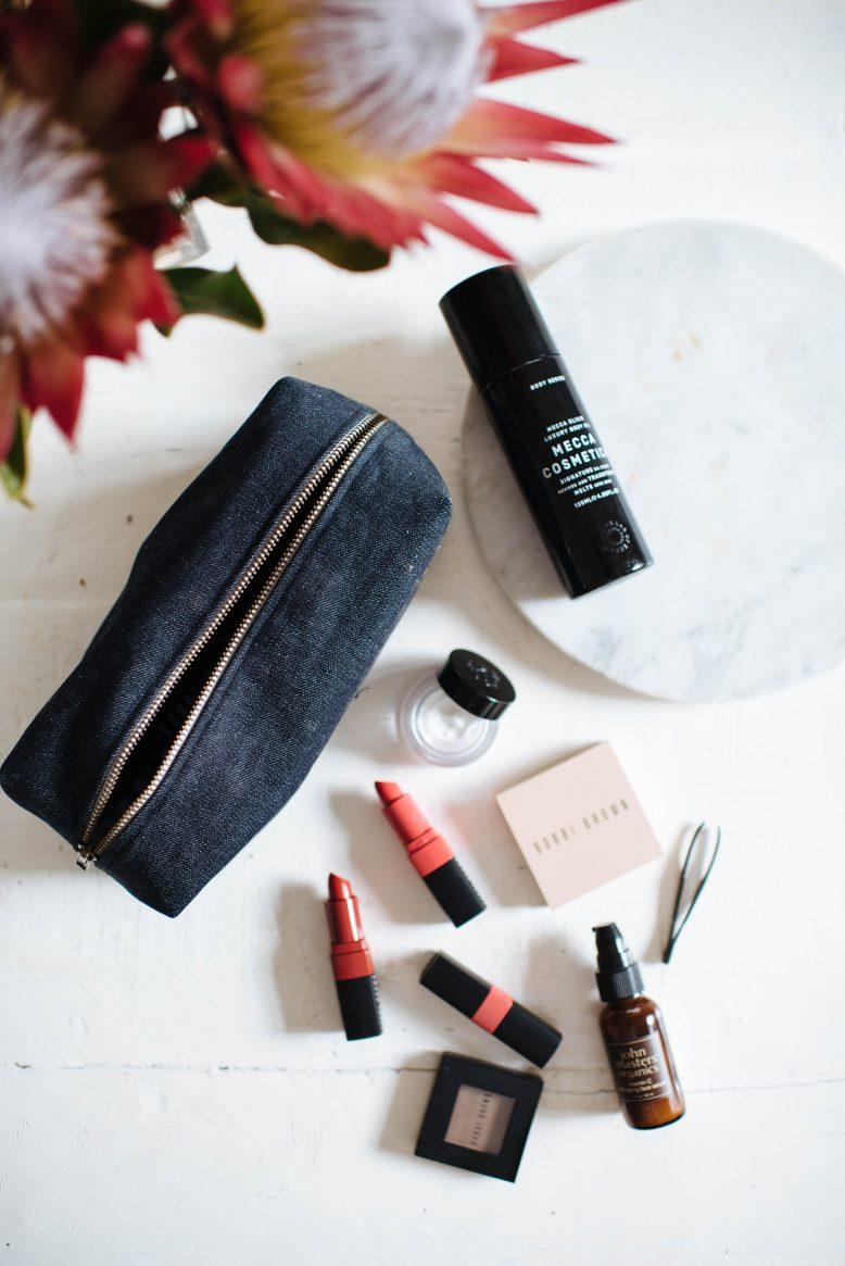 DIY hand sewn makeup bag