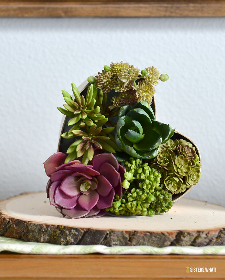 DIY Valentine's Day heart with succulents (via www.sisterswhat.com)