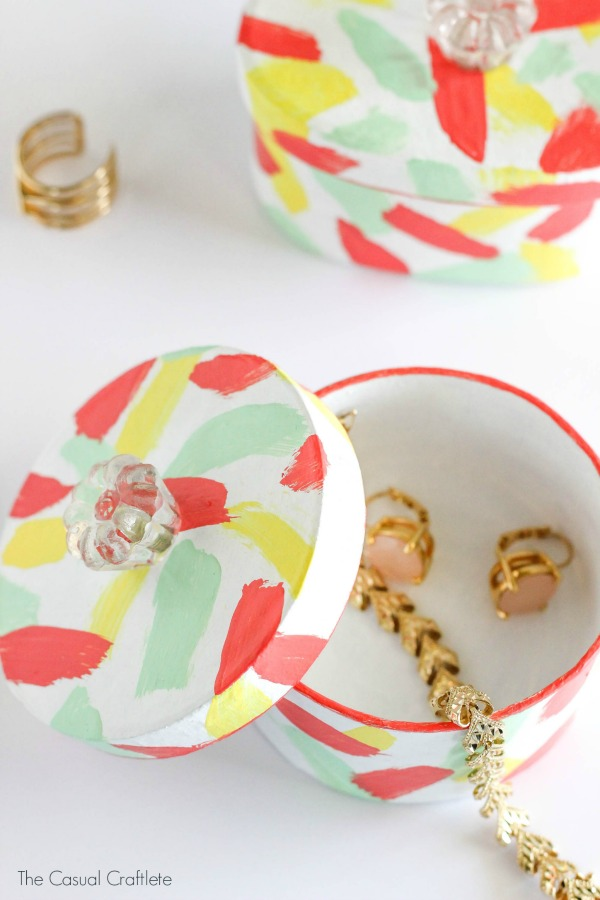 DIY colorful mini trinket boxes with a terrazzo pattern