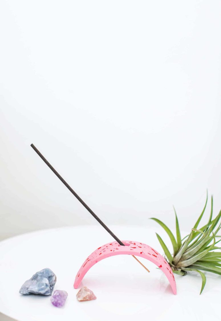 DIY pink terrazzo style clay incense holder (via abeautifulmess.com)
