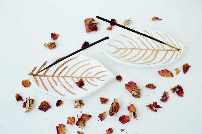 DIY cute leaf incense holder