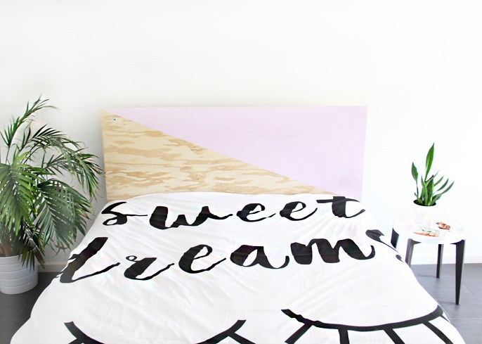 DIY color block plywood headboard (via undefined)