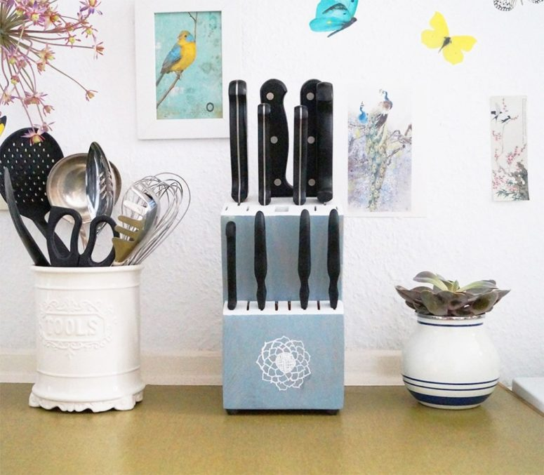 DIY painted floral wooden knife block (via undefined)