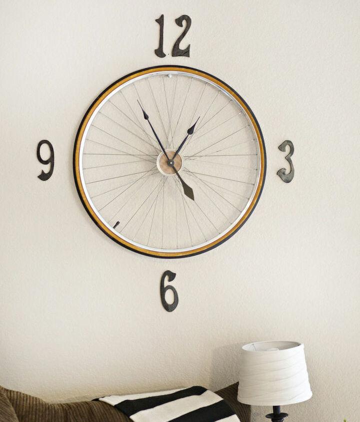 DIY vintage bike wheel clock  (via www.hometalk.com)