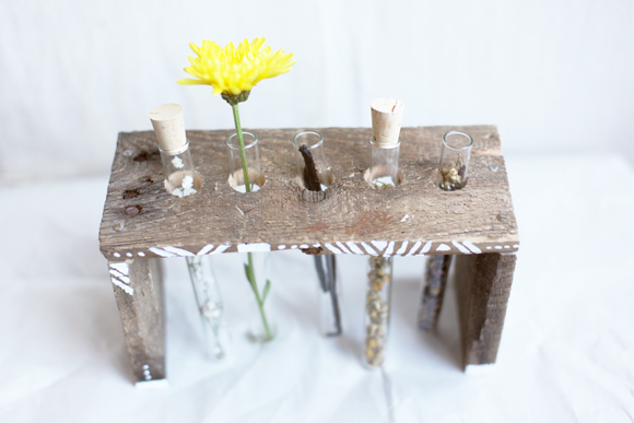 DIY test tube potpourri holder in boho style (via blog.freepeople.com)