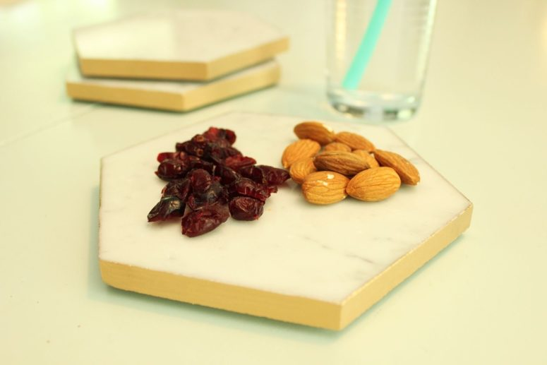 DIY gold leaf marble hex mini trays (via undefined)
