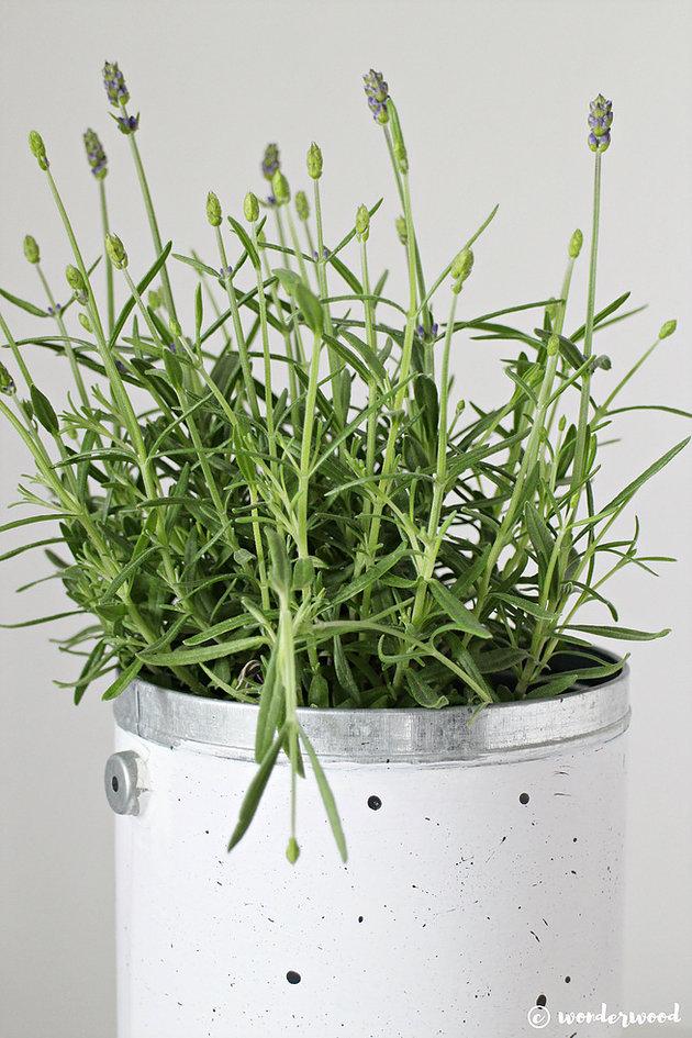 DIY white and black speckled pot