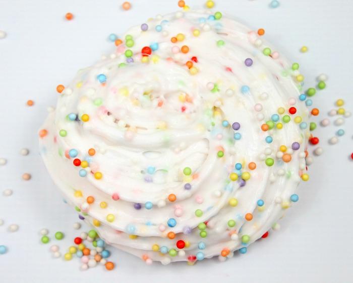 DIY birthday cake confetti slime  (via momluck.com)