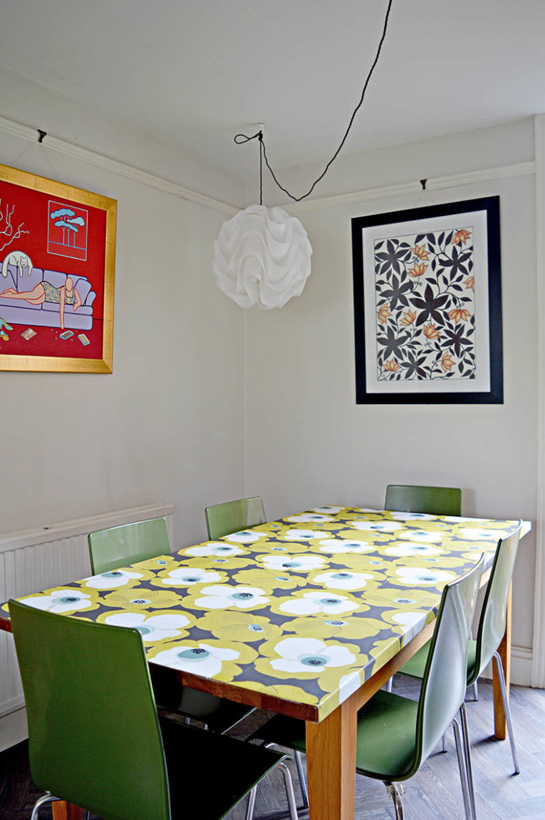 DIY wallpaper decoupage tabletop makeover  (via www.pillarboxblue.com)
