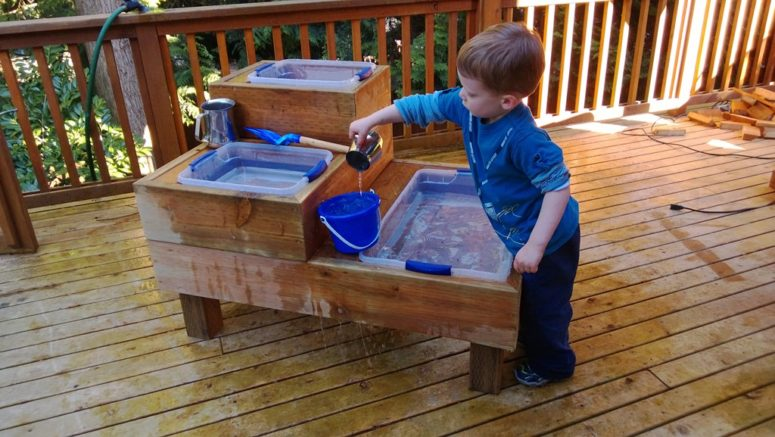 DIY custom made water table with three reservoirs (via www.monkeyslaps.com)
