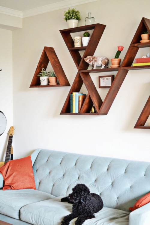 DIY stained triangle shelves with a mid-century modern feel (via www.shelterness.com)