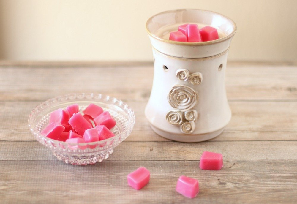 DIY bright pink grapefruit wax melts
