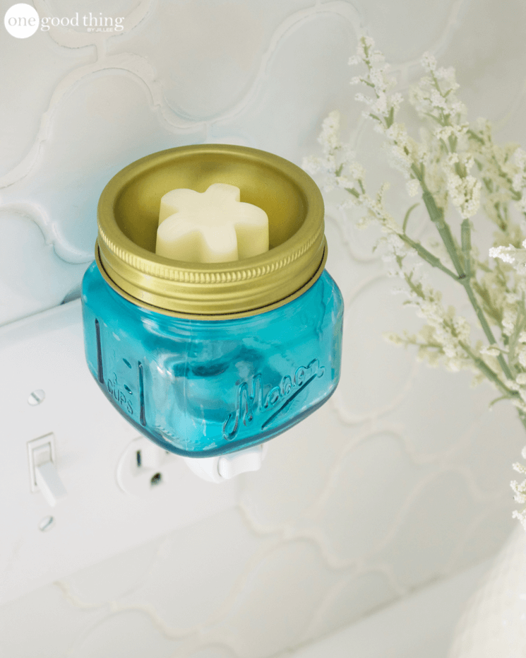 DIY all-natural wax melts to refresh your home (via www.onegoodthingbyjillee.com)