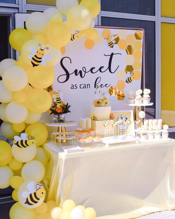 Honey baby shower is a great idea for both summer and fall, go for your favorite shades of yellow in decor
