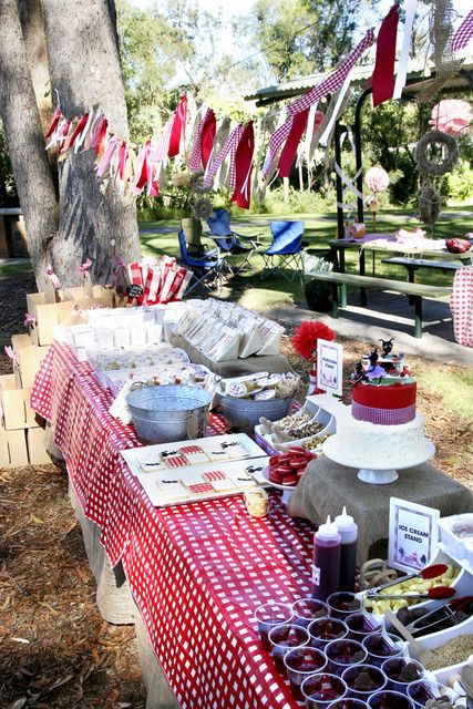 Picnic baby showers are awesome for those who prefer laid back and rustic parties, add checked and gingham prints