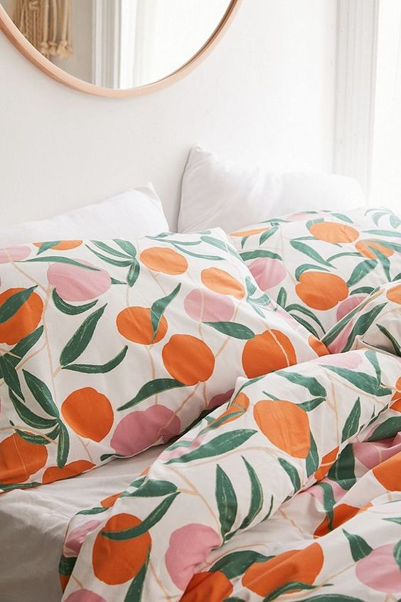 fruit print bedding is drop dead gorgeous idea for any bedroom, feels very summer-like