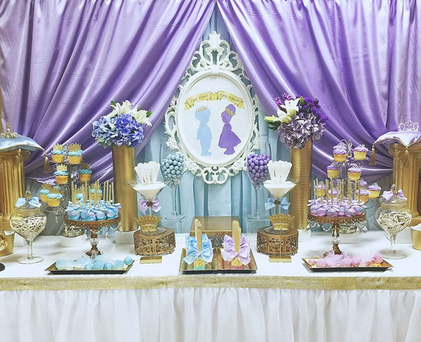 Prince or Princess is a very popular idea as royal-themed baby showers are on trend, use pink and blue