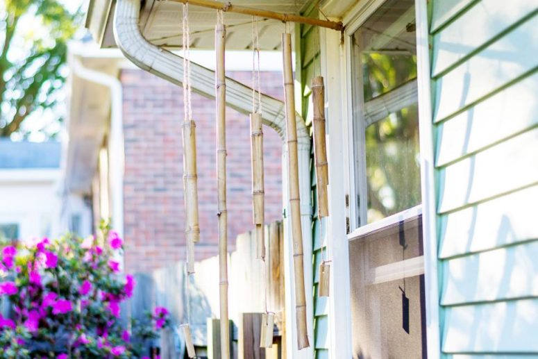 DIY bamboo wind chimes  (via www.hgtv.com)