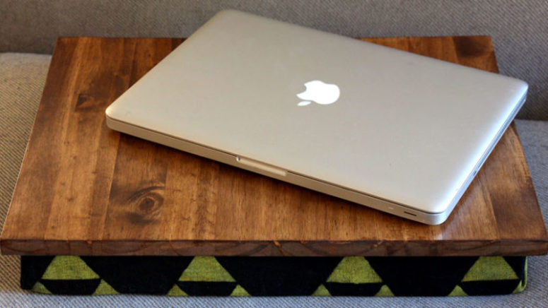 DIY pillow lap desk with printed fabric (via lifehacker.com)