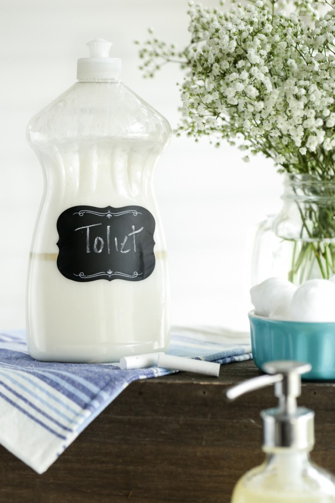 DIY simple and quick toilet bowl cleaner (via livesimply.me)