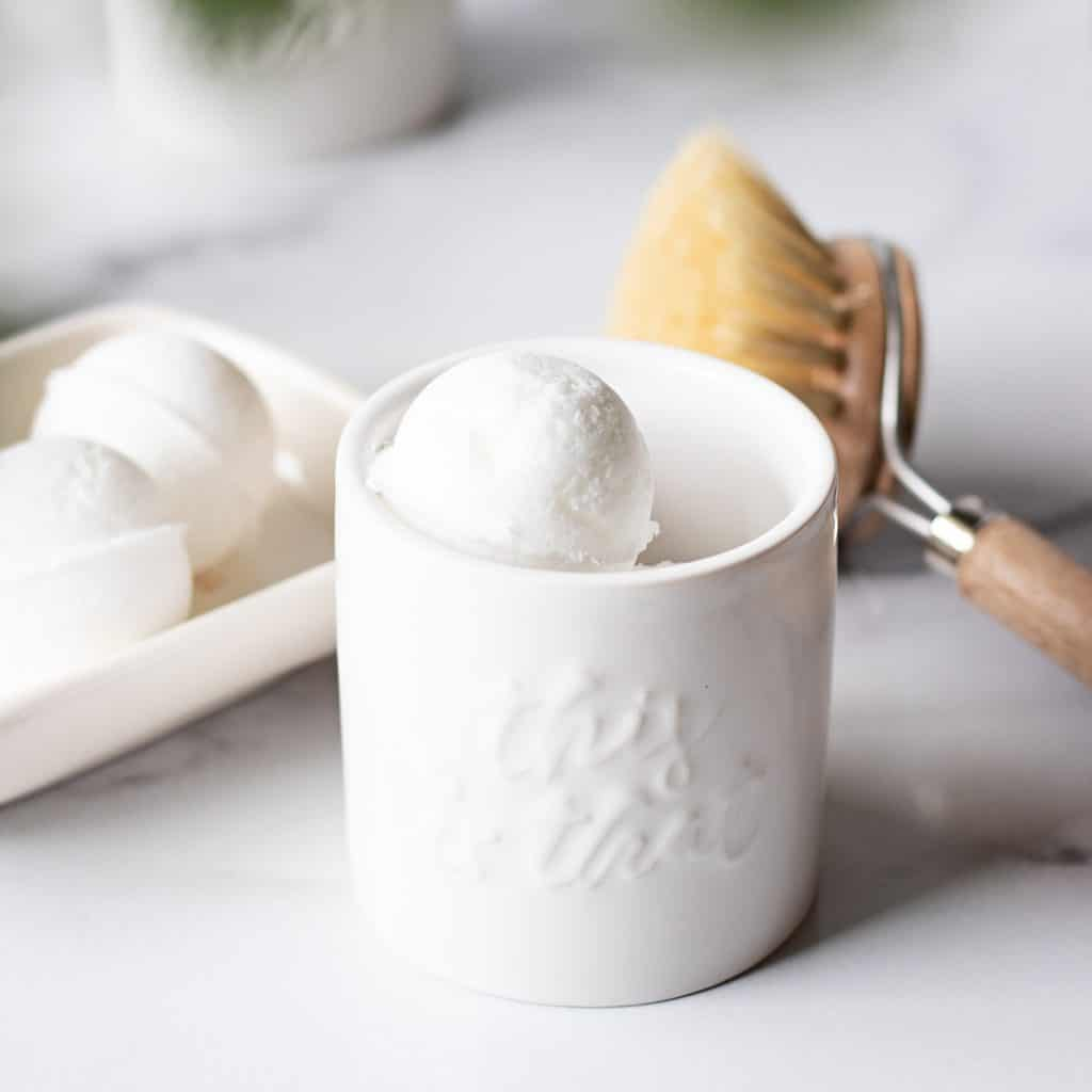 DIY all natural toilet cleaner bath bombs