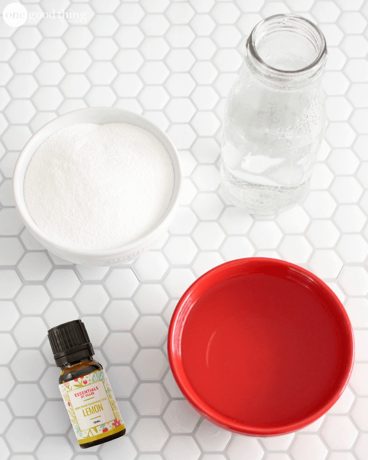 DIY all-natural toilet bowl cleaner (via www.onegoodthingbyjillee.com)