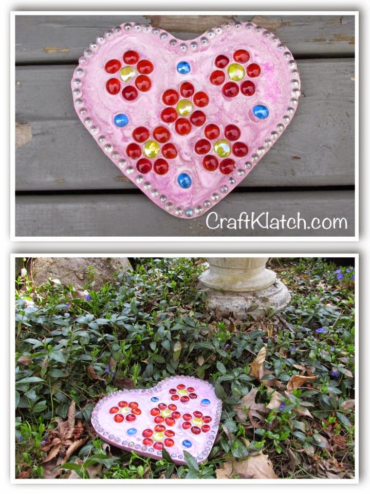 DIY pink heart stepping stone with embellishments (via craftklatchwithmona.blogspot.com)