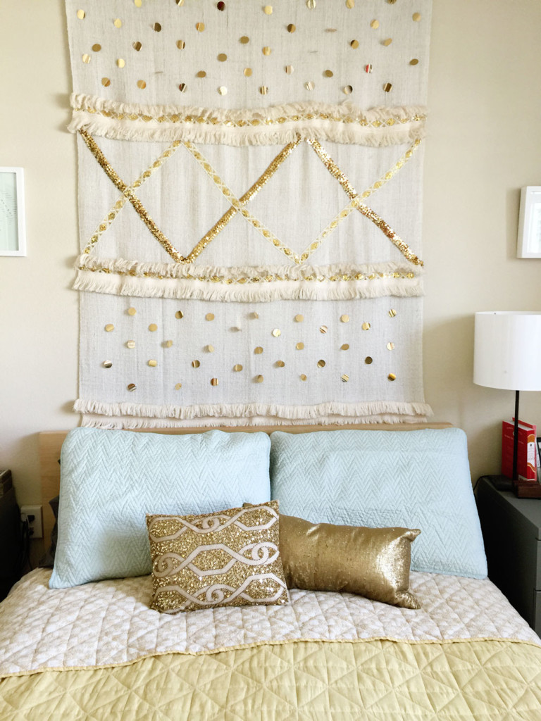 DIY romantic Moroccan wedidng blanket with gold beading and trim (via www.makescoutdiy.com)