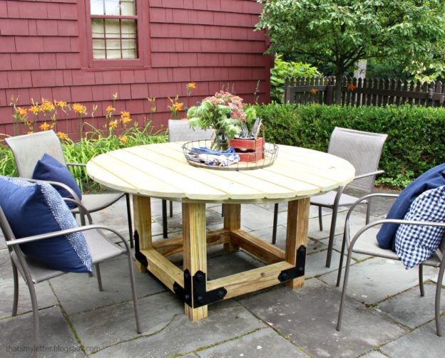 DIY non-stained round dining table (via blog.strongtie.com)