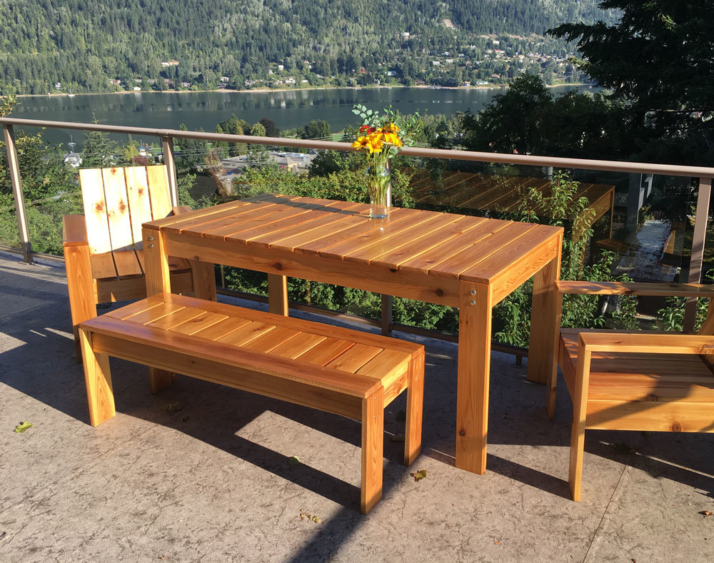 DIY simple outdoor dining table with matching benches