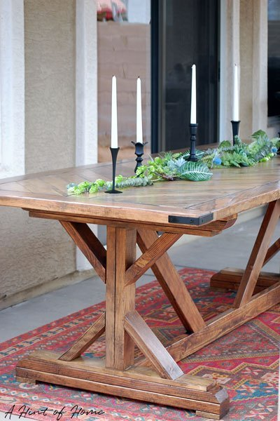 DIY chevron pattern outdoor dining table (via www.ahintofhome.com)