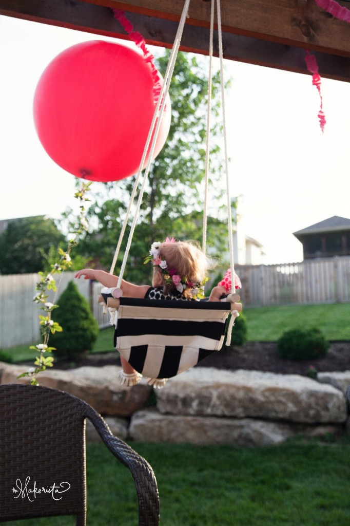 DIY black and white striped swing (via www.themakerista.com)