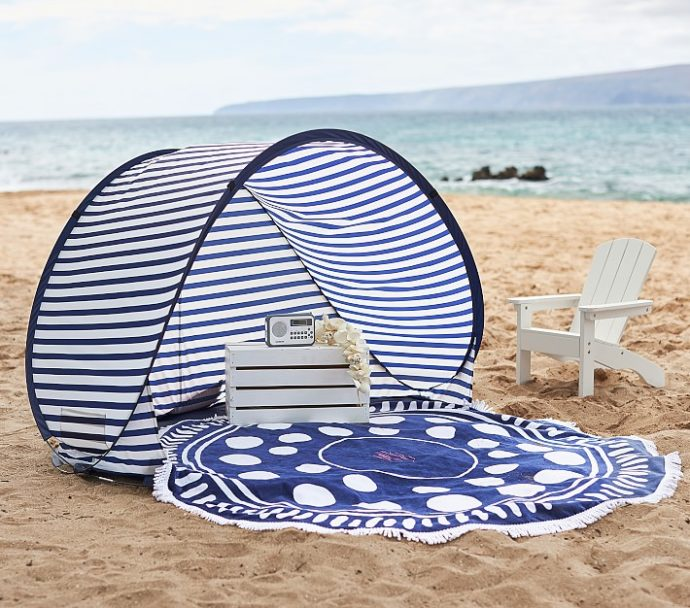 DIY nautical baby beach tent (via www.rookiemoms.com)
